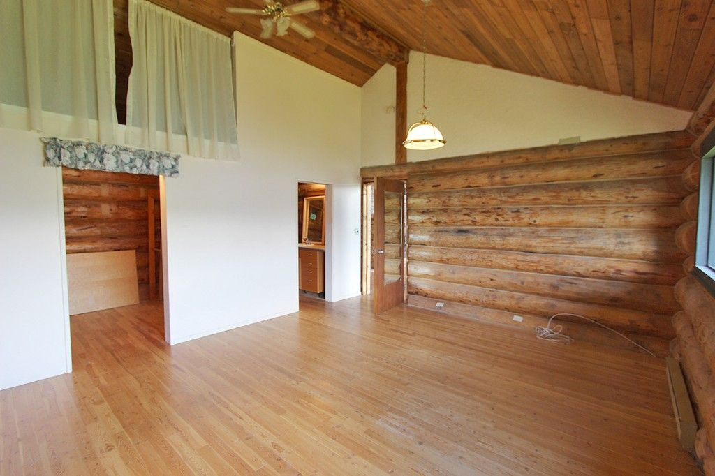Photo 26: Photos: 8079 Squilax Anglemont Highway: St. Ives House for sale (North Shuswap)  : MLS®# 10179329