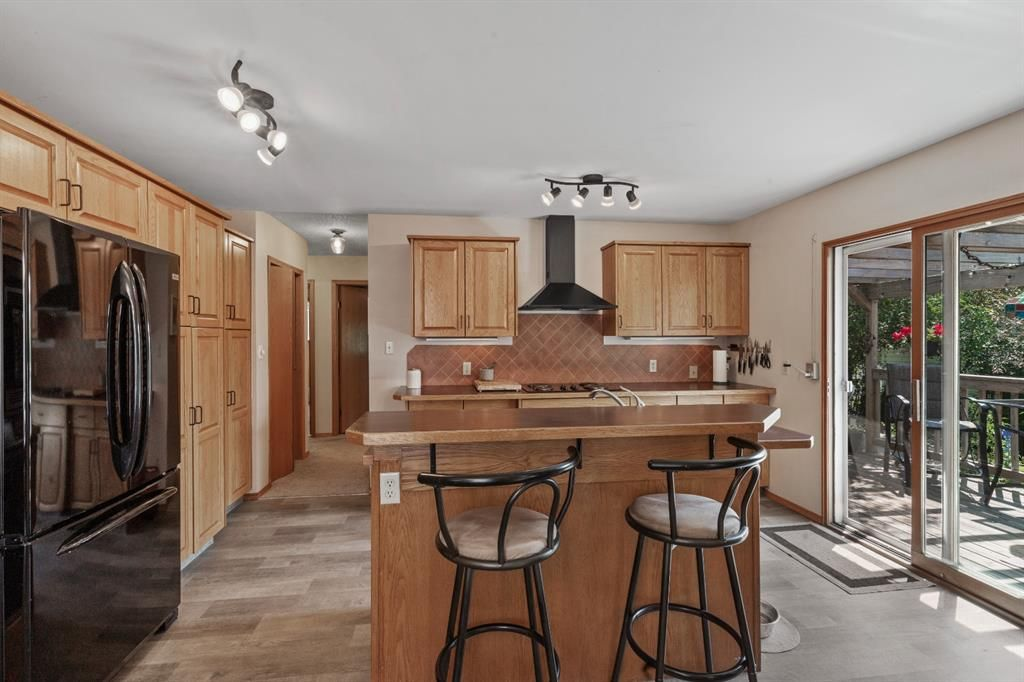 Photo 9: Photos: 1033 Smith Avenue: Crossfield Detached for sale : MLS®# A1129311