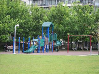 """Photo 18: 302 929 W 16TH Avenue in Vancouver: Fairview VW Condo for sale in """"OAKVIEW GARDEN"""" (Vancouver West)  : MLS®# V1122084"""