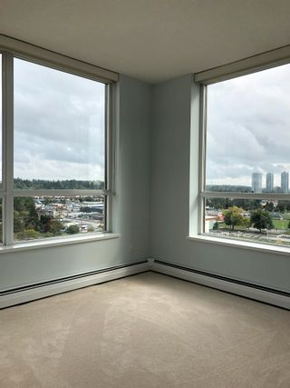 """Photo 4: 1403 10777 UNIVERSITY Drive in Surrey: Whalley Condo for sale in """"CITY POINT"""" (North Surrey)  : MLS®# R2622081"""
