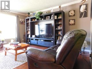 Photo 3: 1405 55 Street in Edson: House for sale : MLS®# A1148123