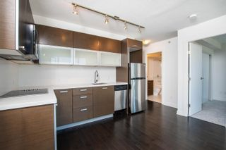 """Photo 8: 2002 10777 UNIVERSITY Drive in Surrey: Whalley Condo for sale in """"CITY POINT"""" (North Surrey)  : MLS®# R2595806"""