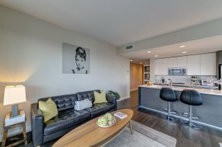 """Photo 6: 3702 2008 ROSSER Avenue in Burnaby: Brentwood Park Condo for sale in """"Stratus at Solo District"""" (Burnaby North)  : MLS®# R2426460"""