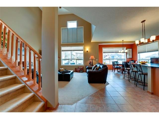 Photo 2: Photos: 21 MORNINGSIDE Bay SW: Airdrie House for sale : MLS®# C4011063