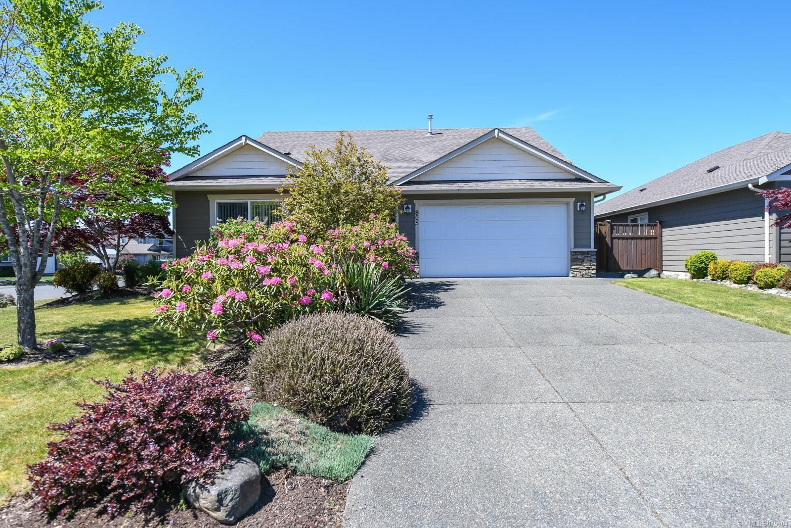 Main Photo: 805 Grumman Pl in : CV Comox (Town of) House for sale (Comox Valley)  : MLS®# 875604