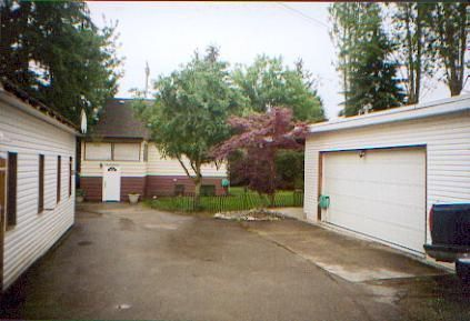 Photo 10: Photos: 750 Como Lake Avenue in Coquitlam: Coquitlam West House for sale : MLS®# v833068