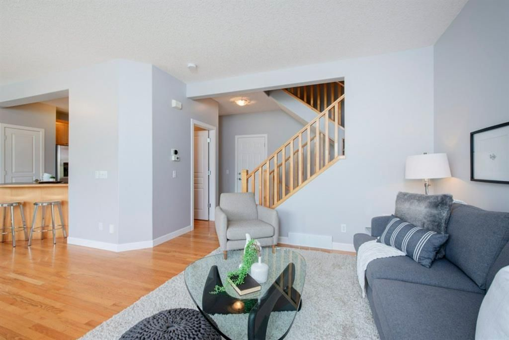 Photo 6: Photos: 32 Prominence Park SW in Calgary: Patterson Row/Townhouse for sale : MLS®# A1112438
