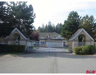 """Photo 1: 303 20655 88TH Avenue in Langley: Walnut Grove Townhouse for sale in """"Twin Lakes"""" : MLS®# F2822062"""