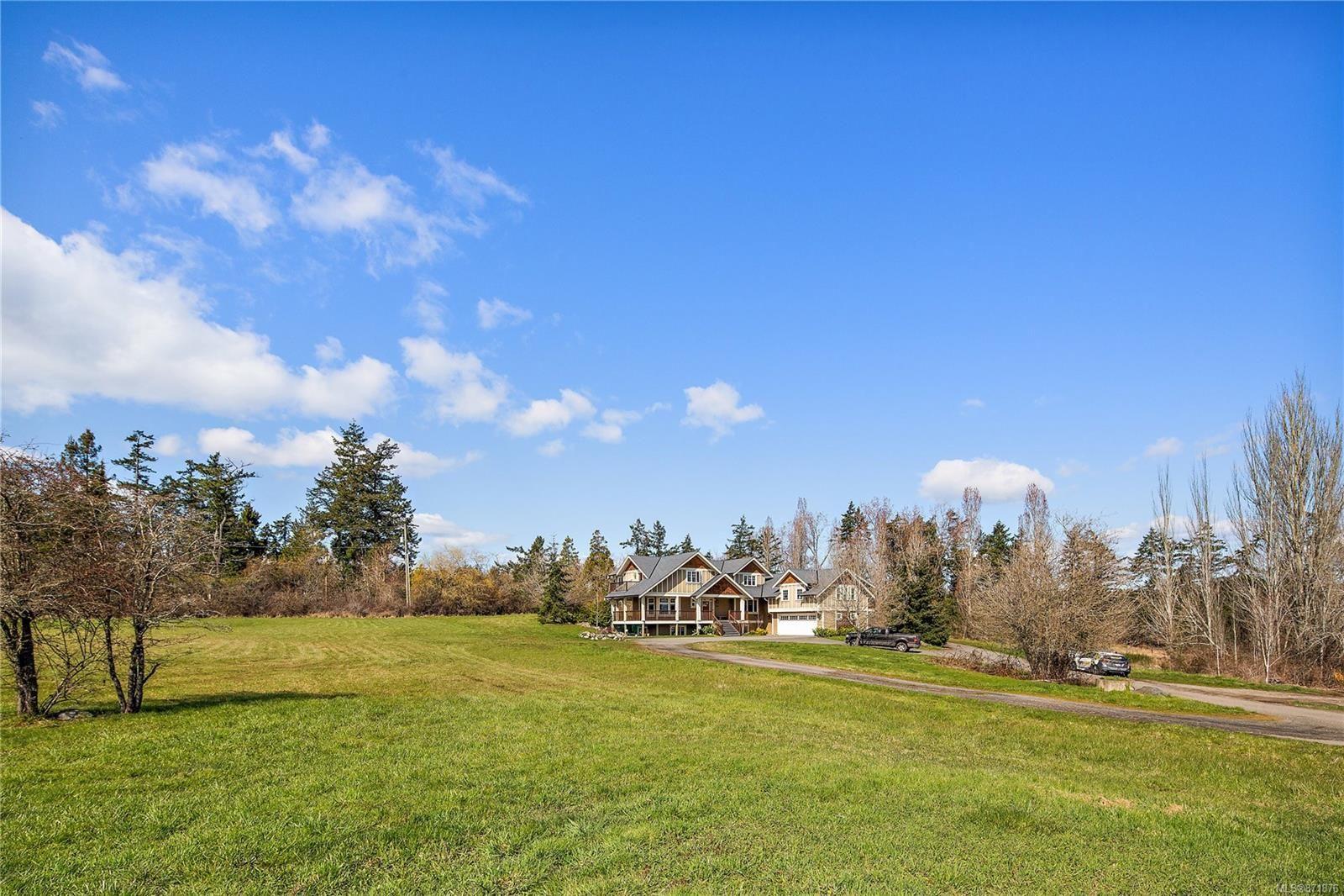 Photo 46: Photos: 4420 Wilkinson Rd in : SW Royal Oak House for sale (Saanich West)  : MLS®# 871876