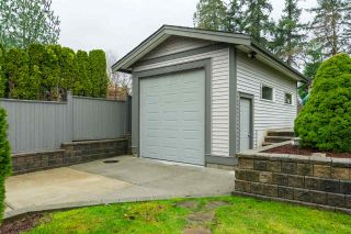 """Photo 19: 17728 68TH Avenue in Surrey: Cloverdale BC House for sale in """"Cloverdale"""" (Cloverdale)  : MLS®# R2252665"""