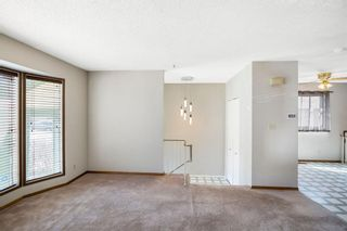 Photo 3: 72 Shawmeadows Crescent SW in Calgary: Shawnessy Detached for sale : MLS®# A1097940