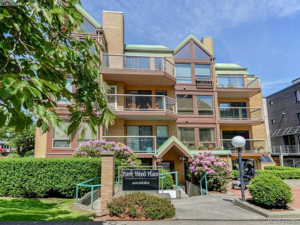 Main Photo: 201 1000 Park Blvd in VICTORIA: Vi Fairfield West Condo for sale (Victoria)  : MLS®# 820574