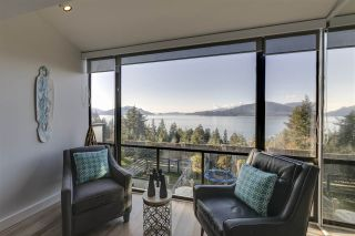 """Photo 1: 428 CROSSCREEK Road: Lions Bay Townhouse for sale in """"Lions Bay"""" (West Vancouver)  : MLS®# R2498583"""