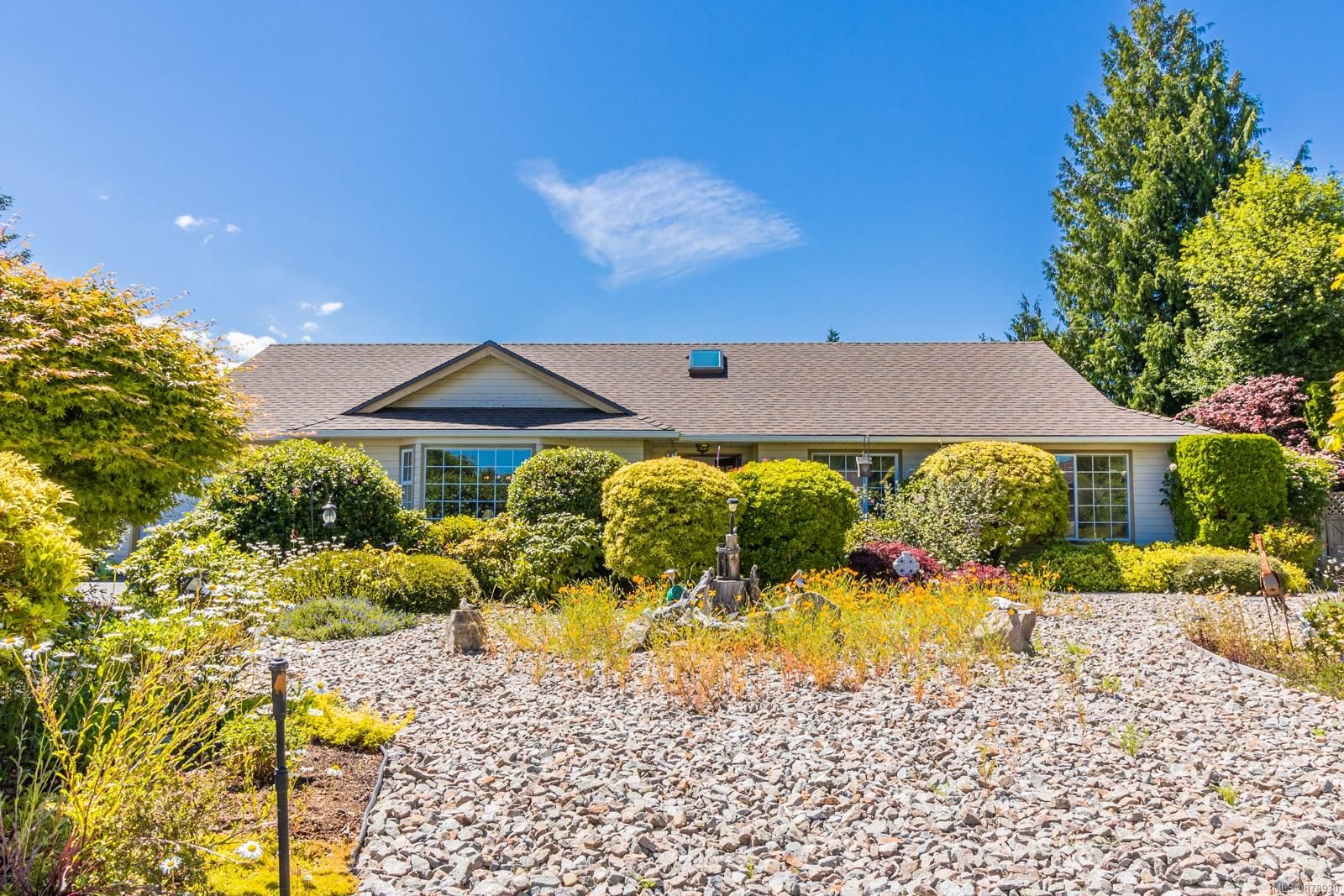Main Photo: 505 Willow St in : PQ Parksville House for sale (Parksville/Qualicum)  : MLS®# 878930