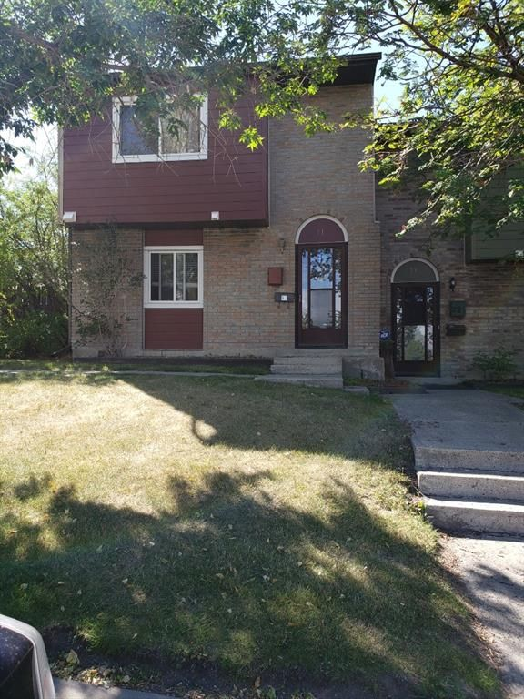 Main Photo: 71 210 84 Avenue SE in Calgary: Acadia Row/Townhouse for sale : MLS®# A1064878