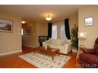 Photo 12: 104 842 Brock Ave in VICTORIA: La Langford Proper Row/Townhouse for sale (Langford)  : MLS®# 507331