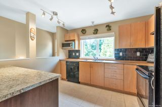 """Photo 4: 15 5839 PANORAMA Drive in Surrey: Sullivan Station Townhouse for sale in """"Forest Gate"""" : MLS®# R2386944"""