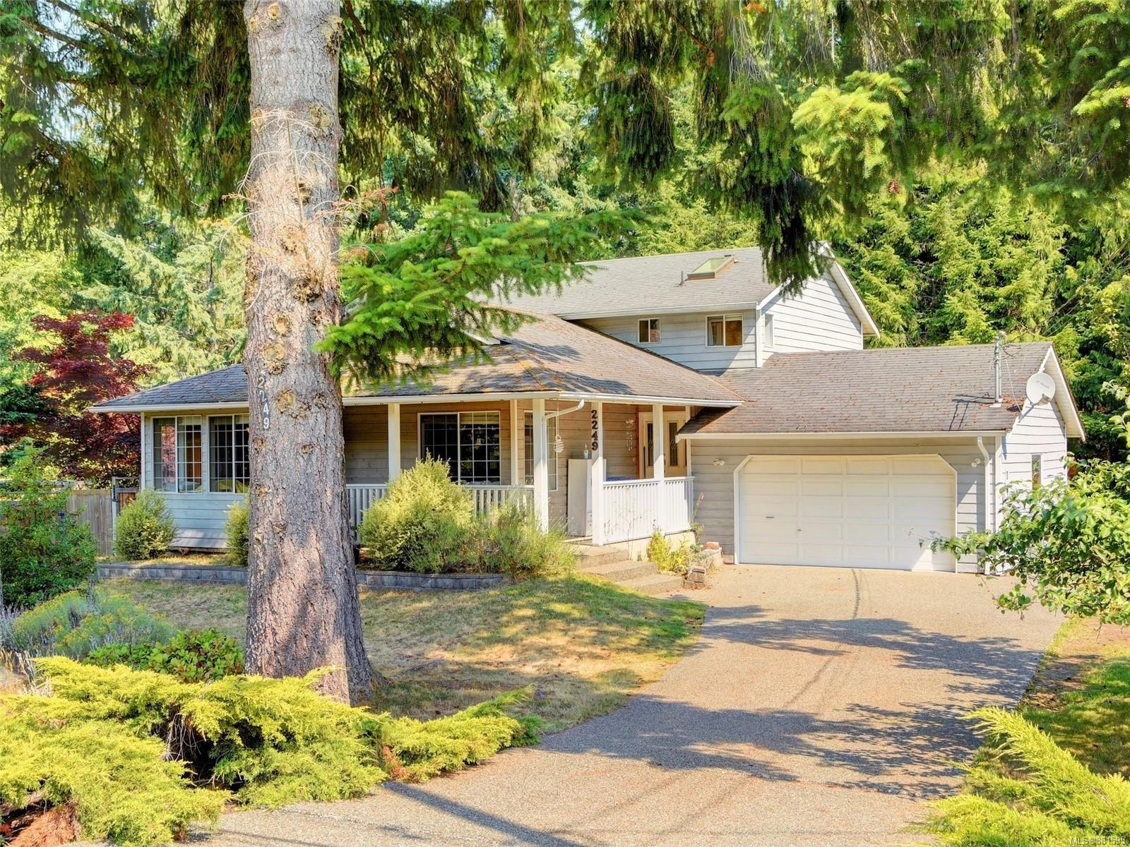 Main Photo: 2249 McIntosh Rd in : ML Shawnigan House for sale (Malahat & Area)  : MLS®# 881595