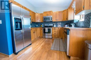 Photo 8: 107 Roberts Crescent in Red Deer: House for sale : MLS®# A1126309