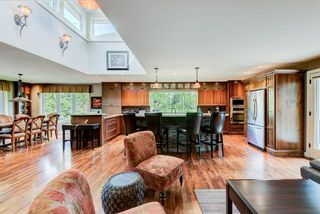 Photo 3: 2008 Ungava Road NW in Calgary: University Heights Detached for sale : MLS®# A1090995