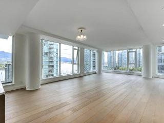 """Photo 2: 1002 1499 W PENDER Street in Vancouver: Coal Harbour Condo for sale in """"WEST PENDER PLACE"""" (Vancouver West)  : MLS®# R2583305"""