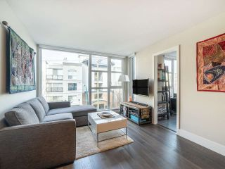 """Photo 2: 303 538 W 7TH Avenue in Vancouver: Fairview VW Condo for sale in """"CAMBIE +7"""" (Vancouver West)  : MLS®# R2332331"""