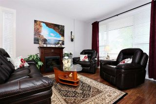 Photo 2: 19412 67A Avenue in Surrey: Clayton House for sale (Cloverdale)  : MLS®# R2094909