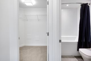 """Photo 10: 1005 5470 ORMIDALE Street in Vancouver: Collingwood VE Condo for sale in """"Wall Centre Central Park"""" (Vancouver East)  : MLS®# R2426749"""