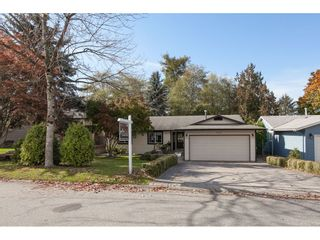 Photo 3: 6325 180A Street in Surrey: Cloverdale BC House for sale (Cloverdale)  : MLS®# R2314641