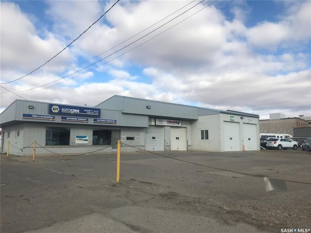Main Photo: 280 Manitoba Street West in Moose Jaw: Central MJ Commercial for sale : MLS®# SK830675
