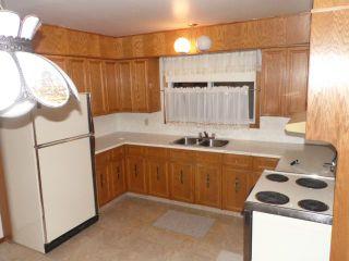 Photo 7: 42 KOWALL Bay in WINNIPEG: Maples / Tyndall Park Residential for sale (North West Winnipeg)  : MLS®# 1302658