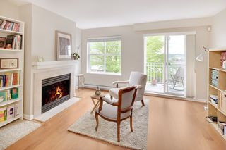 """Photo 1: 20 123 SEVENTH Street in New Westminster: Uptown NW Townhouse for sale in """"ROYAL CITY TERRACE"""" : MLS®# R2170926"""