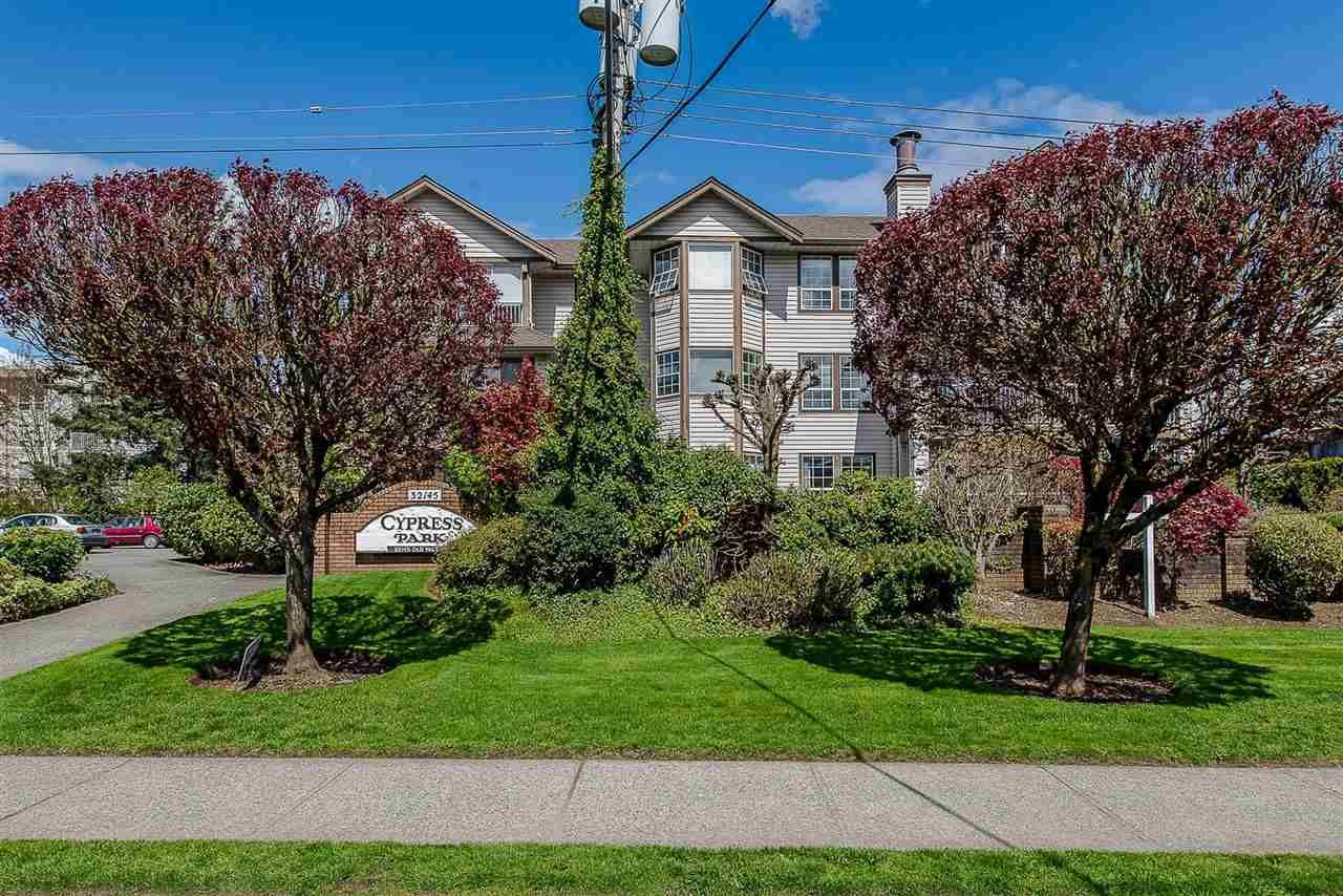 """Main Photo: 105 32145 OLD YALE Road in Abbotsford: Abbotsford West Condo for sale in """"Cypress Park"""" : MLS®# R2373888"""