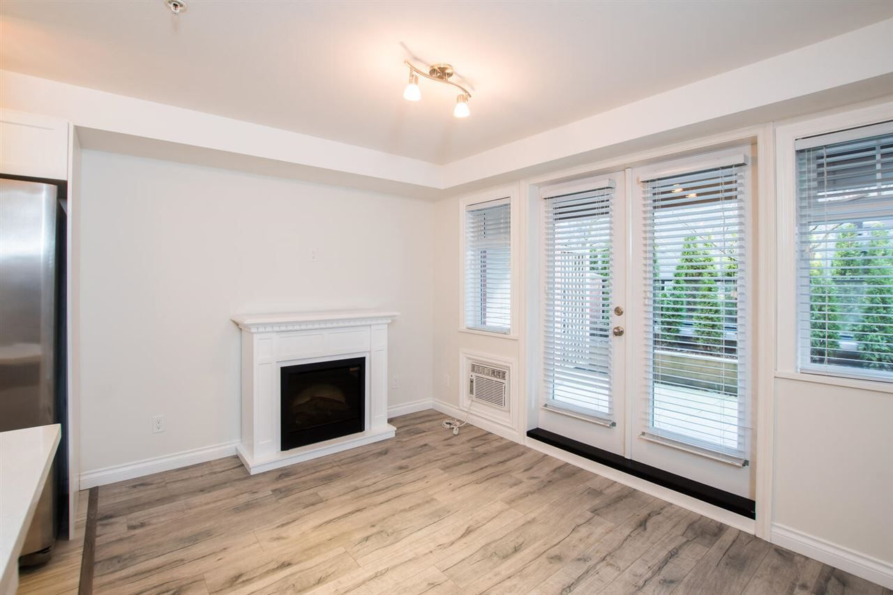 """Photo 4: Photos: 109 5650 201A Street in Langley: Langley City Condo for sale in """"PADDINGTON STATION"""" : MLS®# R2549015"""