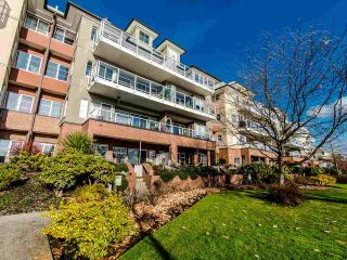 Photo 2: 103 12 K DE K Court in New Westminster: Quay Condo for sale : MLS®# R2419227