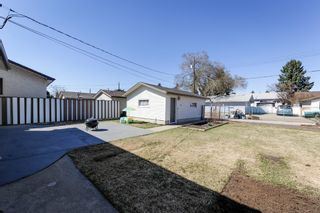Photo 2: 6308 92B Avenue NW in Edmonton: OTTEWELL House for sale