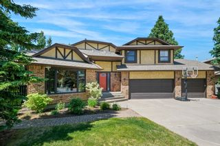 Main Photo: 319 Woodglen Place SW in Calgary: Woodbine Detached for sale : MLS®# A1122564