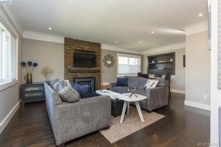 Photo 5: 1035 Nicholson St in VICTORIA: SE Lake Hill House for sale (Saanich East)  : MLS®# 810358