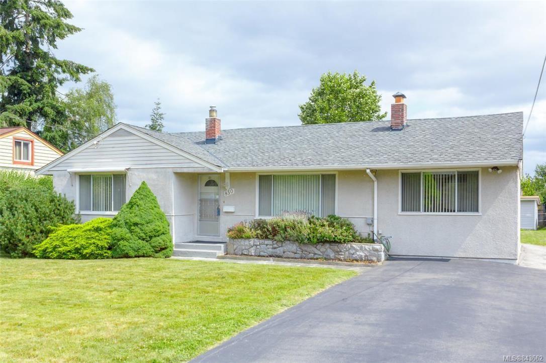 Main Photo: 850 Jasmine Ave in Saanich: SW Marigold House for sale (Saanich West)  : MLS®# 843662