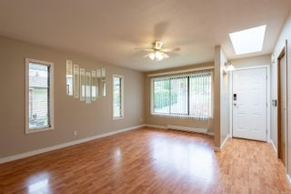 Photo 4: 910 Hemlock St in : CR Campbell River Central House for sale (Campbell River)  : MLS®# 869360