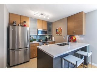 """Photo 4: 1301 928 HOMER Street in Vancouver: Yaletown Condo for sale in """"Yaletown Park 1"""" (Vancouver West)  : MLS®# R2605700"""