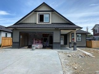 Photo 2: 740 Sitka St in : CR Willow Point House for sale (Campbell River)  : MLS®# 878918