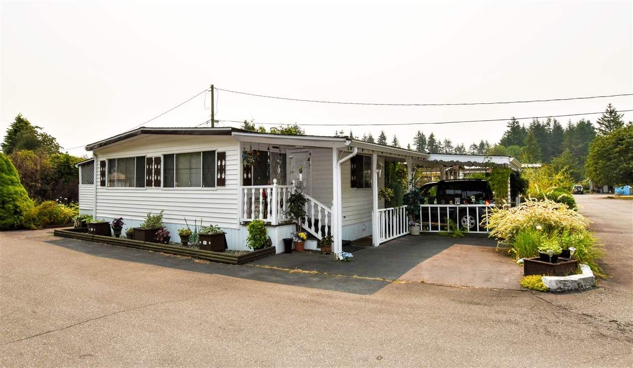 """Main Photo: 133 3031 200 Street in Langley: Brookswood Langley Manufactured Home for sale in """"Cedar Creek Estates"""" : MLS®# R2194565"""