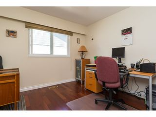 """Photo 16: 2422 123A Street in Surrey: Crescent Bch Ocean Pk. House for sale in """"Crescent Heights"""" (South Surrey White Rock)  : MLS®# R2186856"""