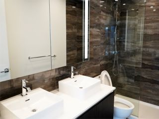 "Photo 10: 2108 1888 GILMORE Avenue in Burnaby: Brentwood Park Condo for sale in ""TRIOMPHE"" (Burnaby North)  : MLS®# R2447396"