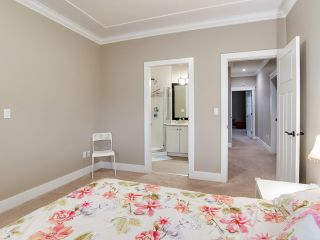"""Photo 12: 21028 76A Avenue in Langley: Willoughby Heights House for sale in """"Yorkson"""" : MLS®# R2387312"""