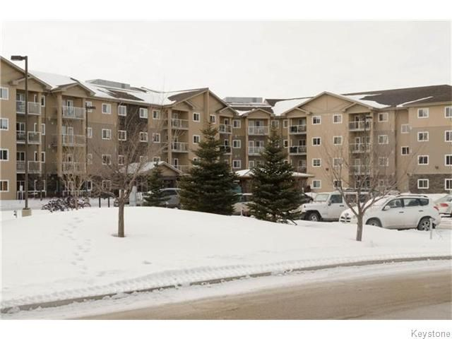 Main Photo: 240 Fairhaven Road in WINNIPEG: River Heights / Tuxedo / Linden Woods Condominium for sale (South Winnipeg)  : MLS®# 1602325