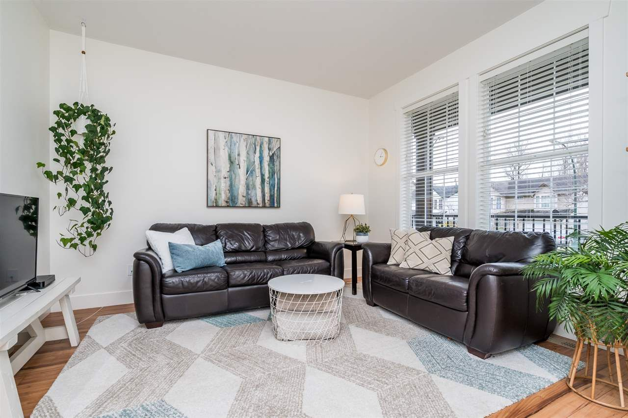 """Photo 15: Photos: 34777 1ST Avenue in Abbotsford: Poplar House for sale in """"Huntingdon Village"""" : MLS®# R2545017"""