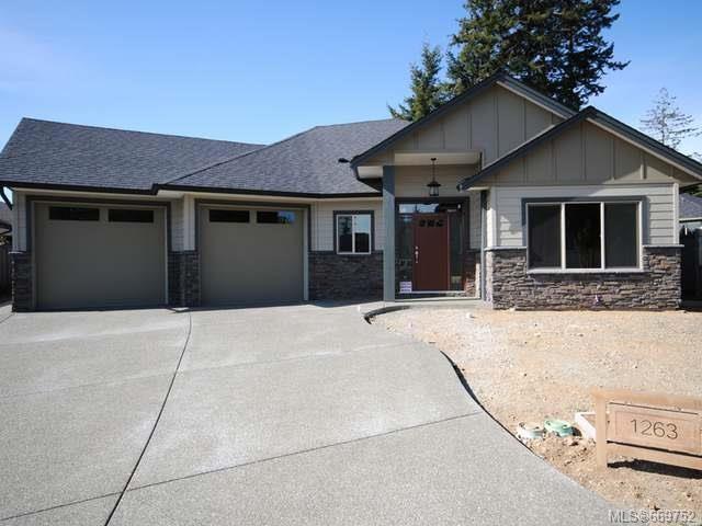 Main Photo: 1263 Potter Pl in COMOX: CV Comox (Town of) House for sale (Comox Valley)  : MLS®# 669752