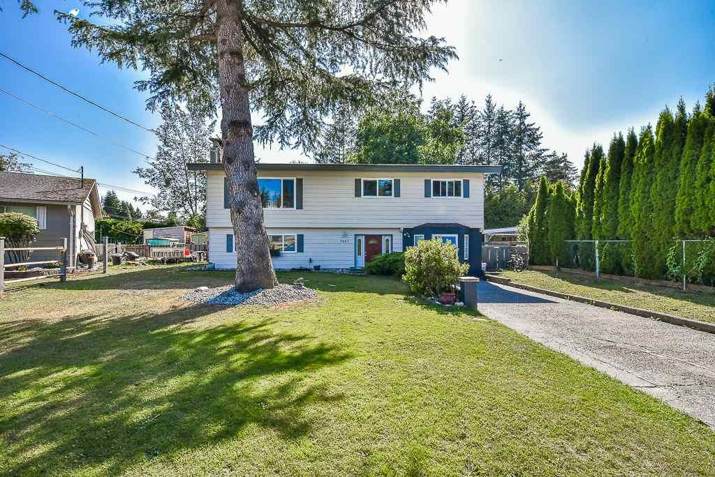 Main Photo: 7883 TEAL PLACE in Mission: Mission BC House for sale : MLS®# R2290878